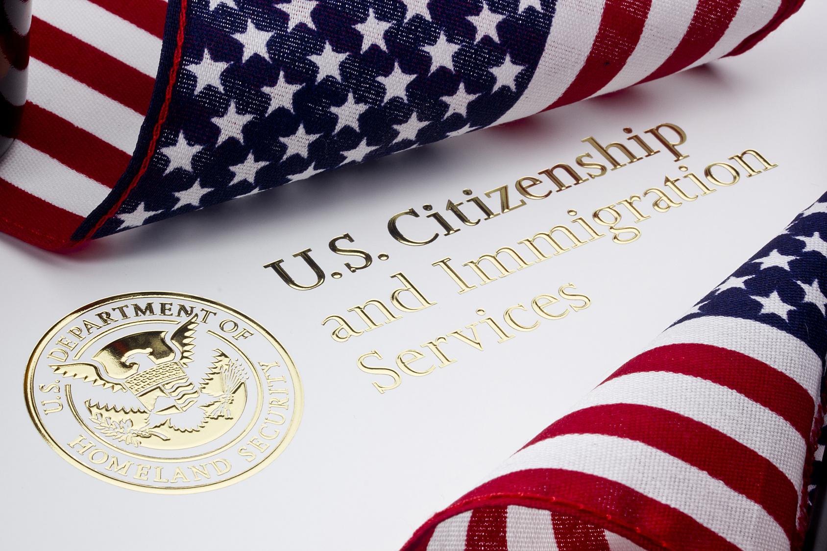 1월17일 시행된 '60일 유예기간' 시행 규칙이 발표되면서 그 동안 이민국 심사관마다 제 각각 실무상 인정했던 유예기간을 60일로 통일하게 된 것입니다.